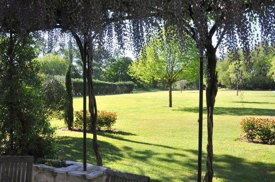 Moulin de la Roque : Villa Les Cigales - Terrace & view on the estate