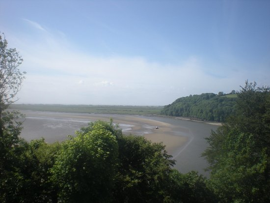 Laugharne: View across estuary