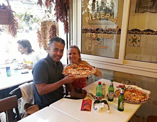 Pizzeria Napoli In Bocca: Ottima pizza... Personale gentile e divertente