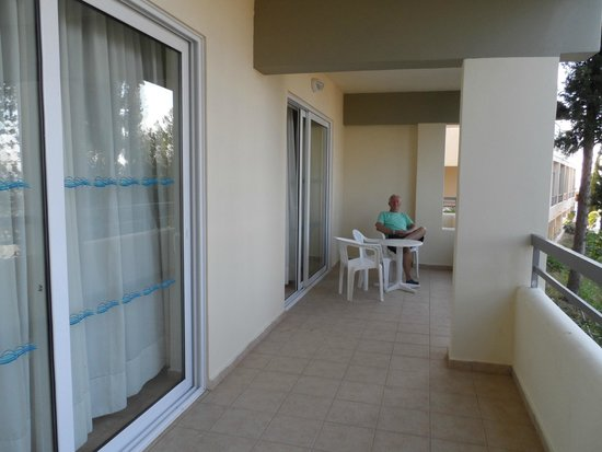 Kipriotis Aqualand: massive balcony