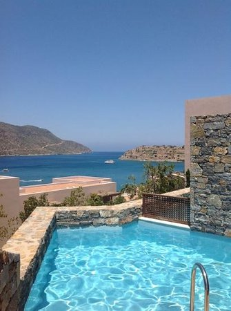 Blue Palace, a Luxury Collection Resort & Spa, Crete : View of Spinalonga from our private pool!