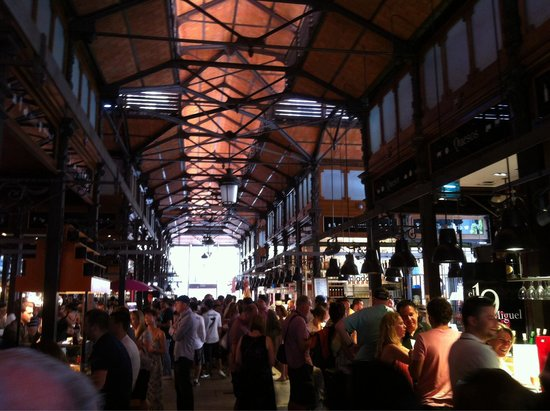 Mercado San Miguel: Inside of the market