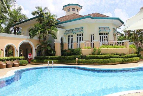 Karma Royal Boat Lagoon: office and pool