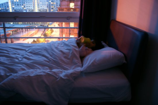 Premier Inn Manchester Central Hotel: view and childrens bed