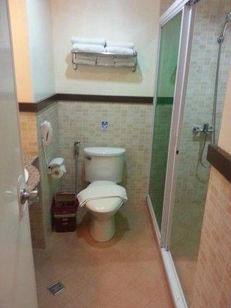 Red Coconut Beach Hotel: Bathroom
