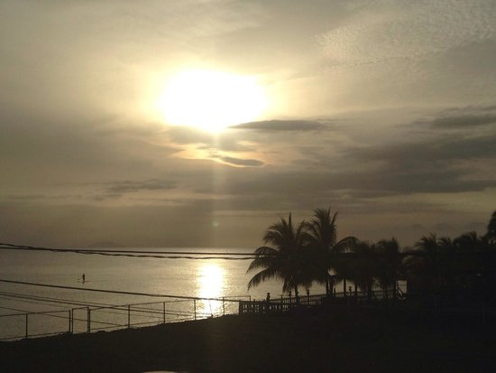 Paraiso Azul : View from upstairs balcony at sunset!