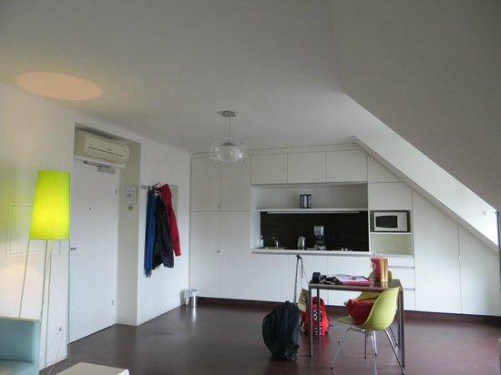 STANYS Das Apartmenthotel: Встроенная(полностью укомплектованная)кухня