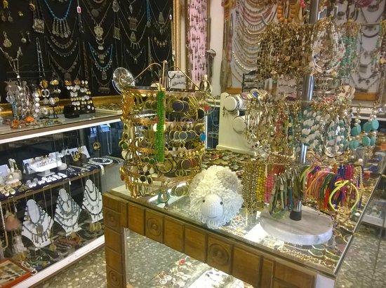 Sultan Jewellery & Fine Handmade Ceramic Art