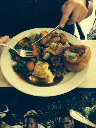 Fawlty Towers : Chicken roast dinner