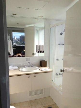Park Regis North Quay Hotel : Bathroom