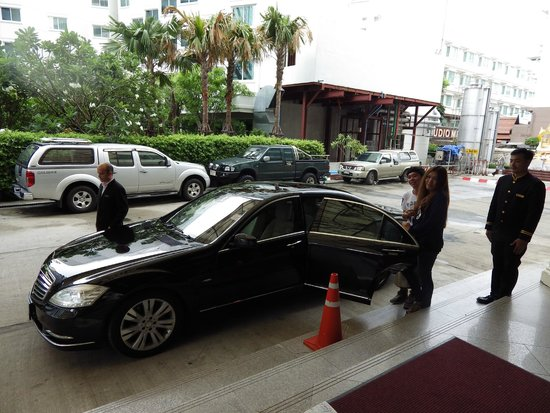 Hilton Pattaya: Limousine service