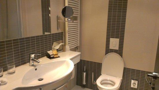 Clarion Hotel Prague City: Bathroom