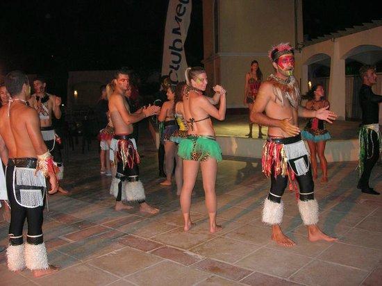 Club Med Djerba la Douce: spectable TOTEM