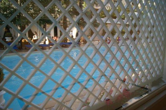 Royal Olympic Hotel: Piscina