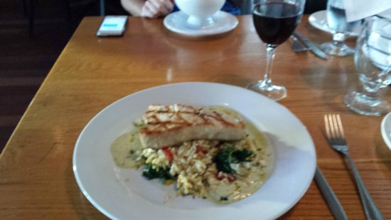 Plum Island Grille: Swordfish over Orzo with calmatta olives, spinach and fetta