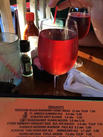 Hobbit Cafe: Black Raspberry Honey Mead ~ AWESOME ����⭐️