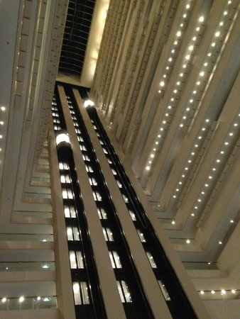 Hilton Brisbane: Reception