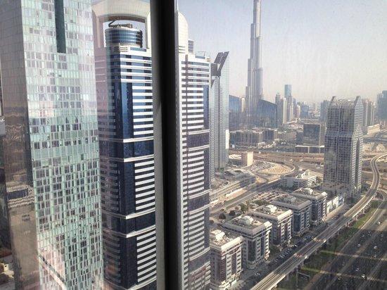 Al Salam Hotel Suites: Vibrant Dubai from Chelsea