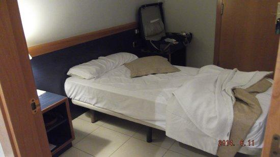 Hotel Oasis: どう見てもシングルルーム