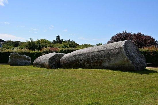 Site des Mégalithes de Locmariaque : Le grand ménhir brisé