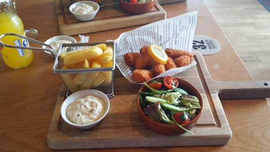 Presthaven Holiday Park: Scampi and Chips £9.95
