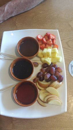 Presthaven Holiday Park: Fruit Platter to Share £7.75