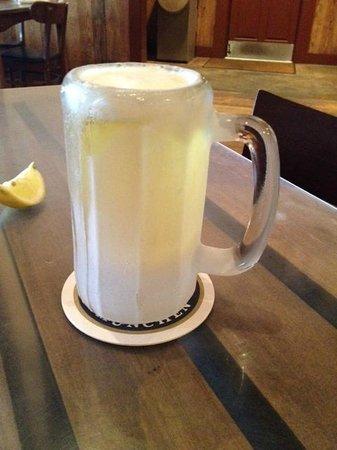 The Auslander Restaurant: Frosty mug-Beer!