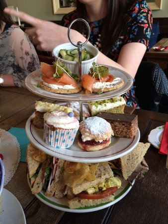 The Butterfly And The Pig: Afternoon tea