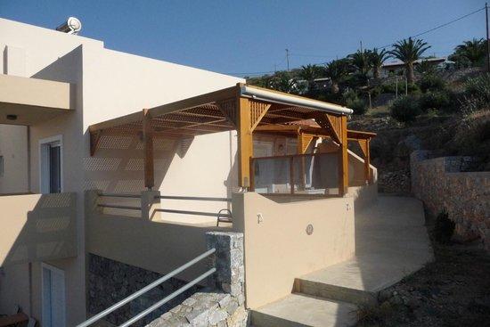 Creta-Spirit Apartments: uno dei terrazzi