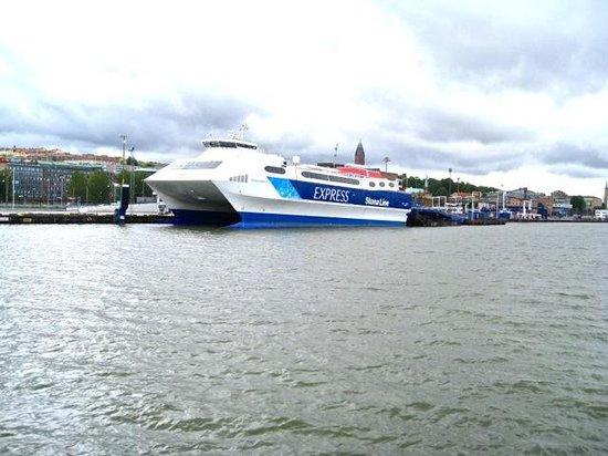 Novotel Goteborg: High Speed ferry