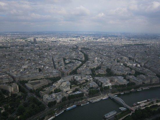 Hotel de Paris Maubeuge : A perfect spot to visit Paris