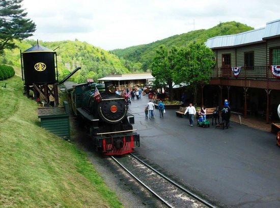 Tweetsie Railroad : Main Street