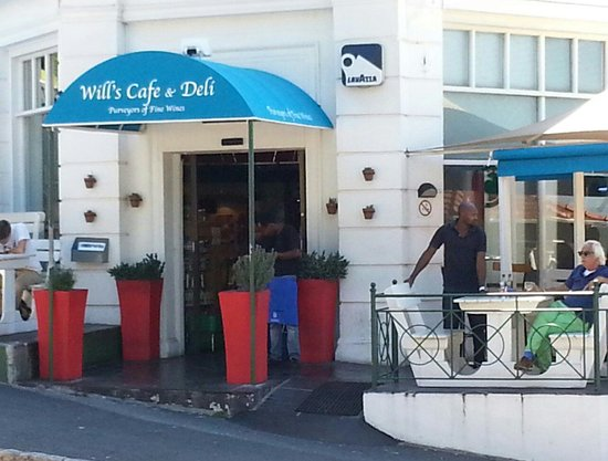 Carlucci's is in the process of changing its name to Will's Cafe & Deli.  Will bought the cafe o
