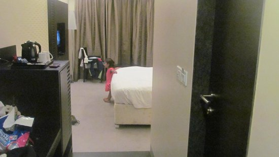 Goldfinch Hotel Mumbai: room