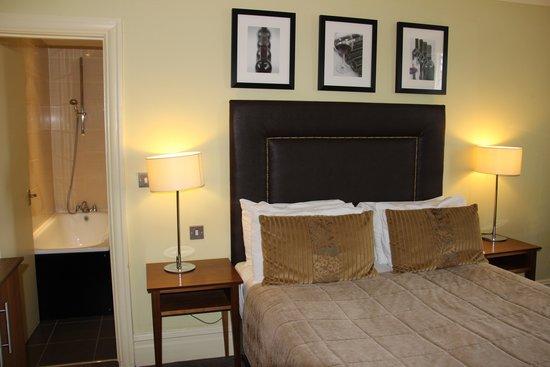 Hallmark Hotel Bournemouth West Cliff: Bedroom