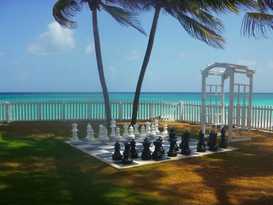 Bougainvillea Beach Resort: Chess
