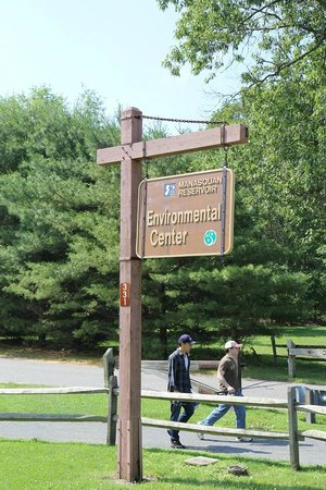 Manasquan Reservoir Visitor Center: Environmental Center- good parking, and facilities; east side of the reservoir