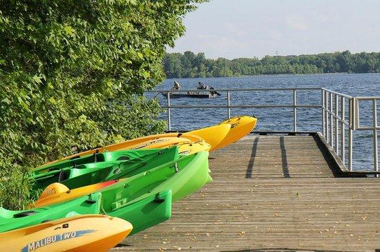 Manasquan Reservoir Visitor Center : kayaks for rent