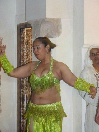 Riad Matham : danseuse