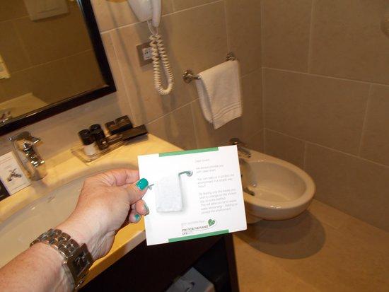 Best Western Premier Hotel Sant'Elena: Il bagno : con bide',ottime spugne,ottimo set cortesia ecc.