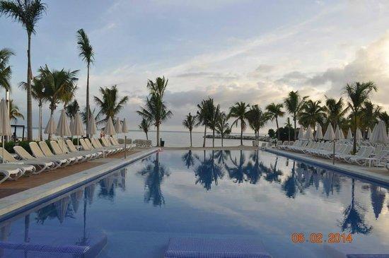 Hotel Riu Palace Jamaica : Infinity pools