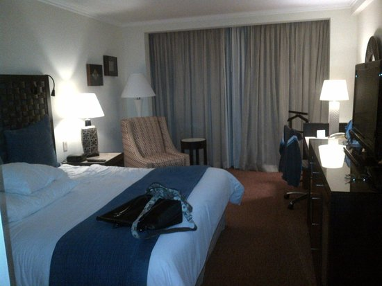 Real InterContinental San Pedro Sula at Multiplaza Mall: Lovely room!