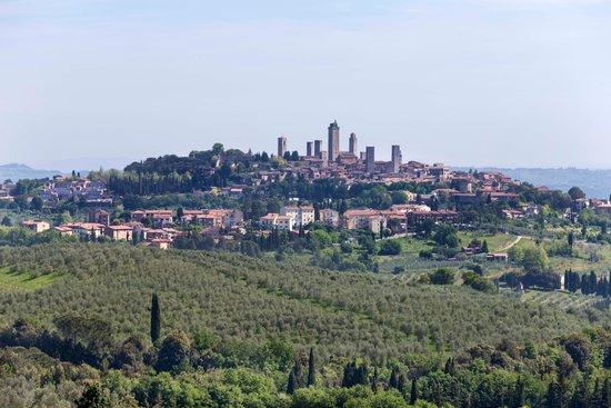 Hotel Pescille: San Gimignano desde el hotel con zoom de 100 mm
