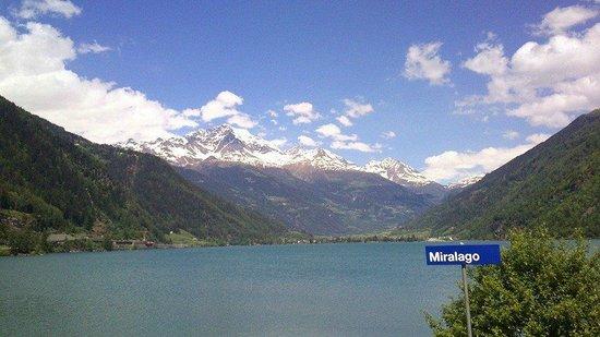 Trenino Rosso del Bernina: view