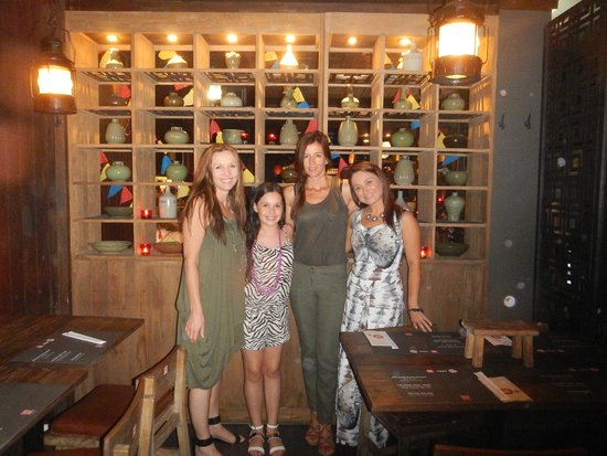 Cho Gao Restaurant and Lounge : Aussie friends catching up abroad!