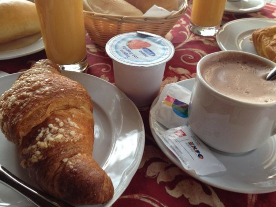 Hotel du Lac : Breakfast at Cafe' Centrale