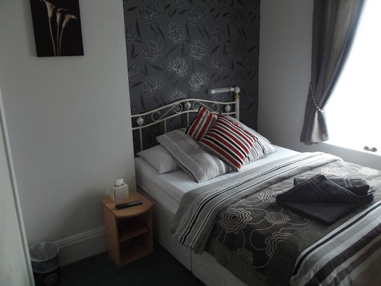 Mayfield Hotel : room 2
