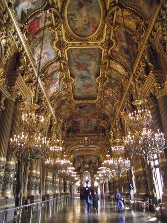 Opéra Garnier : Sala de espelhos e lustres de cristais do palácio.