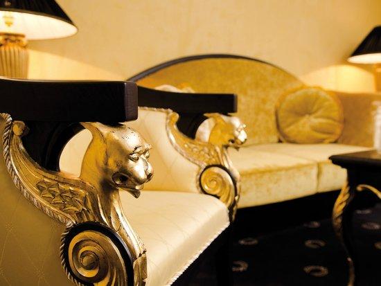 """Victor's Residenz-Hotel Schloss Berg: Götter-Suite """"Neptun"""""""