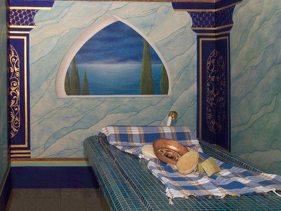 Victor's Residenz-Hotel Schloss Berg: Spa, Seifenschaum-Massage